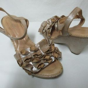 Born Crown champagne leather  wedge Sandals 40.5 9